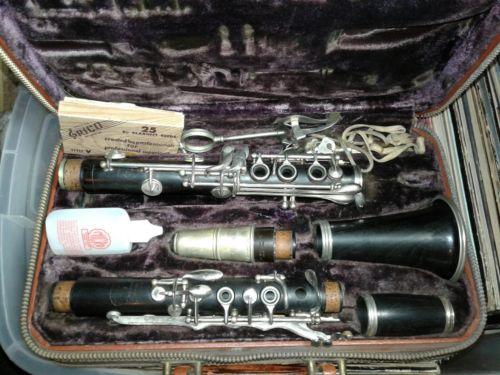 vintage Selmer signet clarinet very nice original