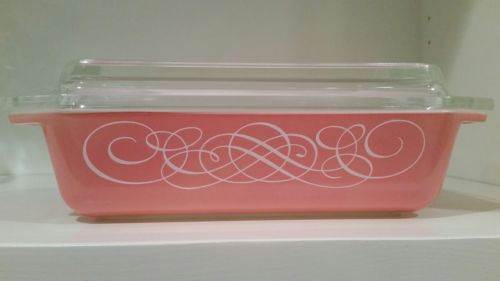 Antique Vintage Pyrex Pink Scroll 575 2 Qt Space Saver Casserole With Lid