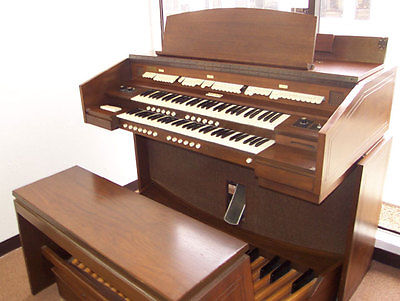 Allen 123C Digital 2-Manual Organ, Internal Speakers