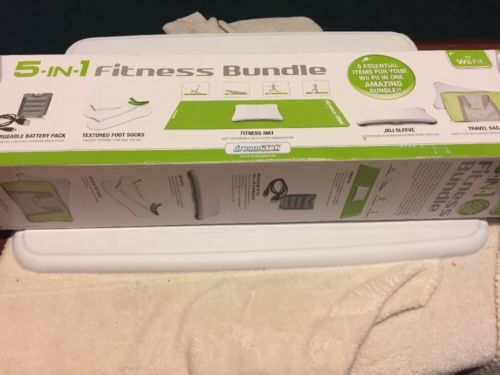 Wii Fit 5-IN-1 Fitness Bundle ( dreamGEAR) With Original Box