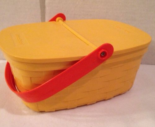 FISHER PRICE #2109 Picnic Basket Plastic Fun With Food 1980s Vintage Hinged Lid