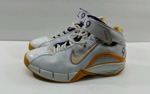 Nike zoom air Huarache basketball Shoes 314257-111. Womens - Size 8