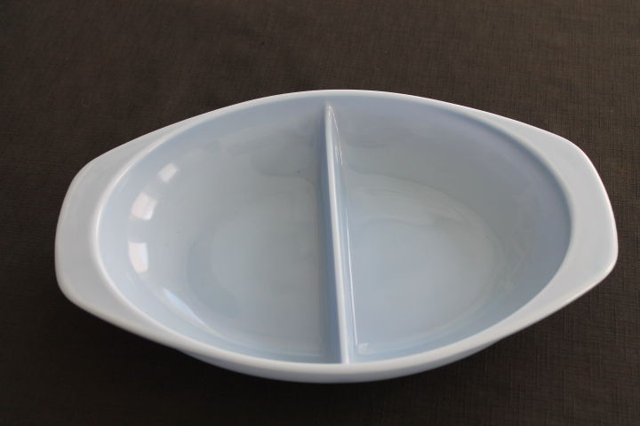 vintage Pyrex blue glass delphite divided oval casserole dish USA