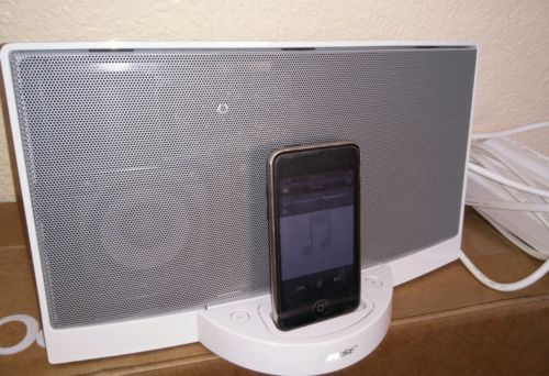 BOSE SOUNDDOCK IPOD IPHONE DOCK SPEAKER PLAYER 30 PINS WORK PERFECT