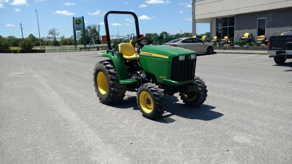 2009 John Deere 3032E Utility Tractors