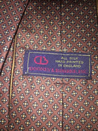 Dooney & Bourke Inc. All Silk Hand Printed In England Men's Neck Tie