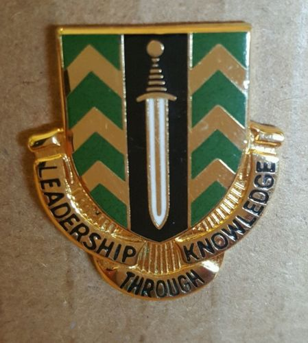 Military Pin 1st NCO Academy DI Crest Insignia Medal Badge