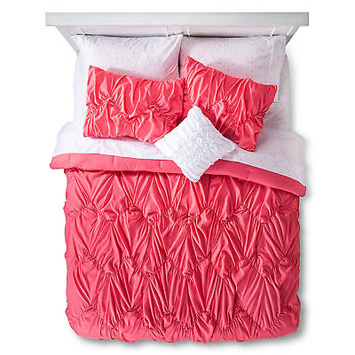 Xhilaration Queen Sized Pintuck Hot Pink Bed in a Bag with Sheets and Pillow NEW