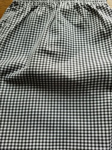 KITCHEN BASIX BLACK & WHITE CHEF PANTS -LARGE----- BRAND NEW
