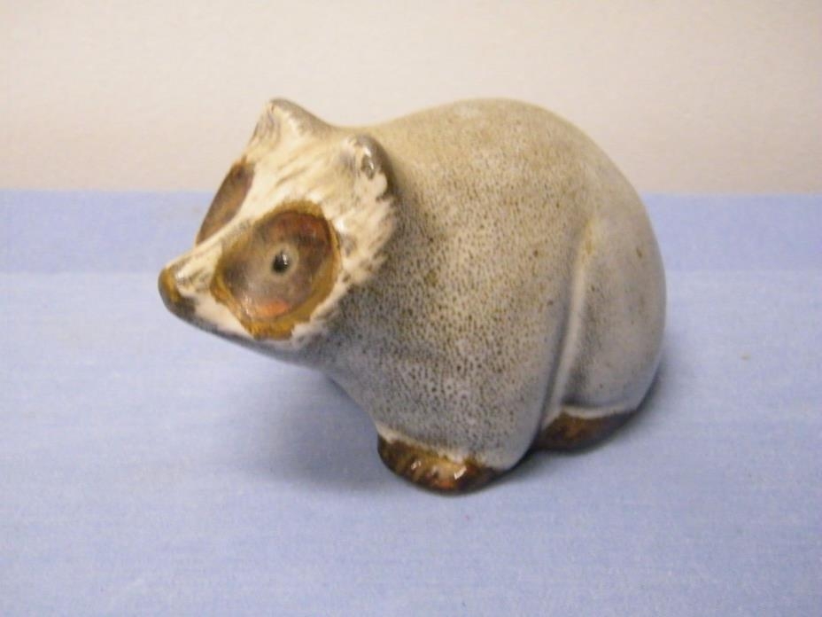 VTG Pigeon Forge Pottery Collectible Raccoon Statue ARTIST SIGNED D. FERGUSON