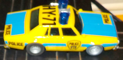 Aurora AFX Overheads Yellow Highway Police Car - two blinking BLUE lights