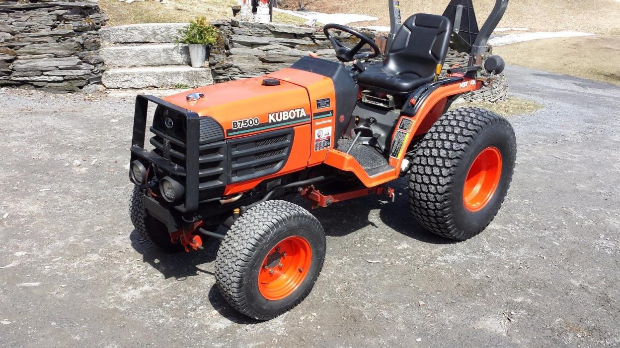 Kubota B7500 tractor Hydrostatic  4WD with 60 inch Mower