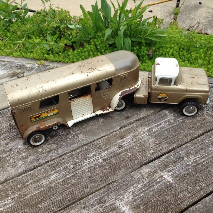 Vintage NYLINT Metal Horse Van & Horse Trailer Toy Truck No. 6300 Made in USA