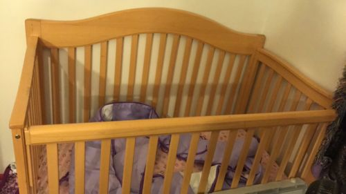 Crib With Mattress And Changing Table With Mattress Pad