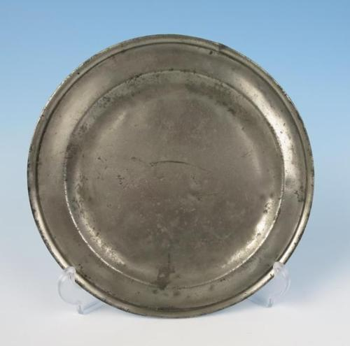 Antique c.1745 RICHARD KING JR English Pewter 9.25