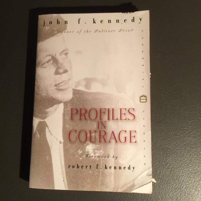 John F. Kennedy - Profiles In Courage  Paperback  **Free Shipping**