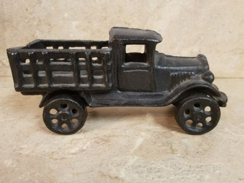 Cast iron Stake-Sided Flat Bed Toy Truck