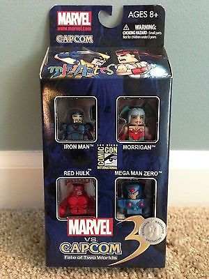 Marvel vs Capcom Minimates SDCC TRU Box Red Hulk Morrigan Mega Man Zero Iron Man
