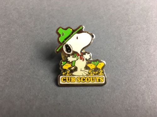 Vintage Peanuts Snoopy & Woodstock Cub Scout Hat Lapel Pin