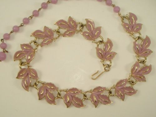 Vinatage CORO Purple Rasberry Enamel Leaf Link Necklace