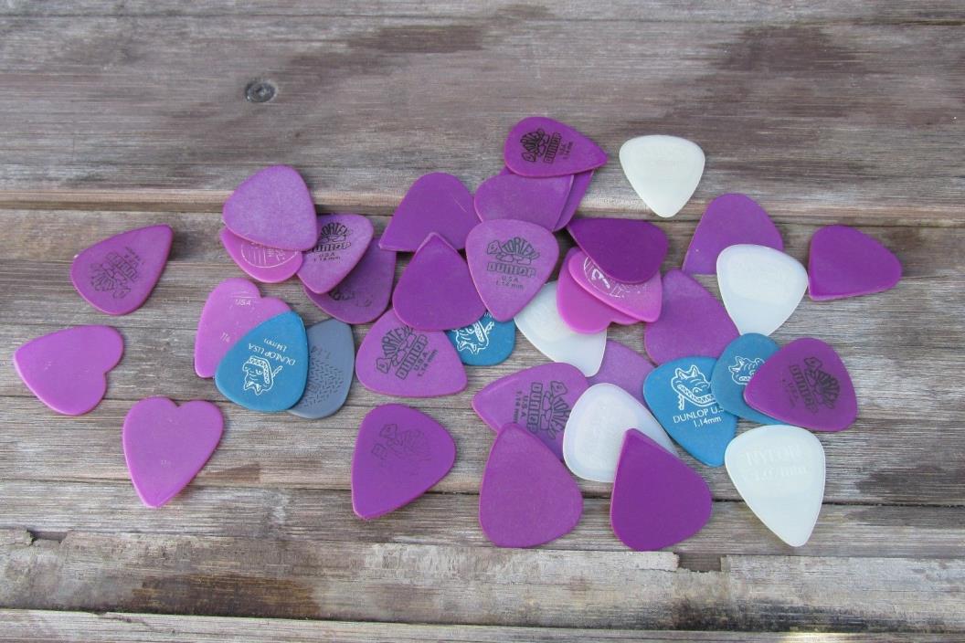 Assorted guitar picks, Dunlop/Fender