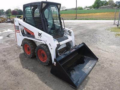 2007 Bobcat S100 Skid Steer Loader, 471 Hrs!!, Cab & Heat, AUX Hydraulics, 33 HP