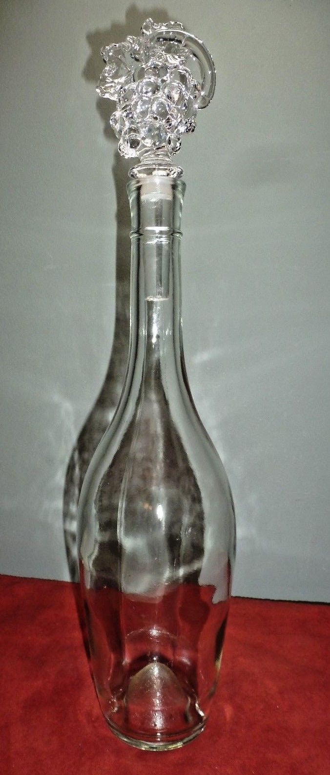 Tapered Clear Glass Wine Bottle w. MIKASA Grape Cluster Crystal Bottle Stopper