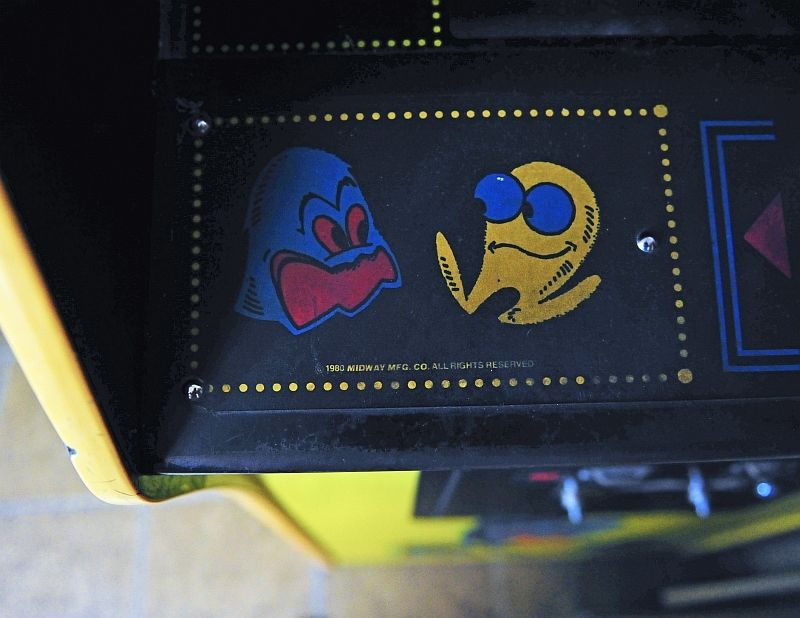 PAC MAN PACMAN VIDEO ARCADE MACHINE GAME GHOST 1980 MIDWAY PHOTO SIGNED JD KLINE