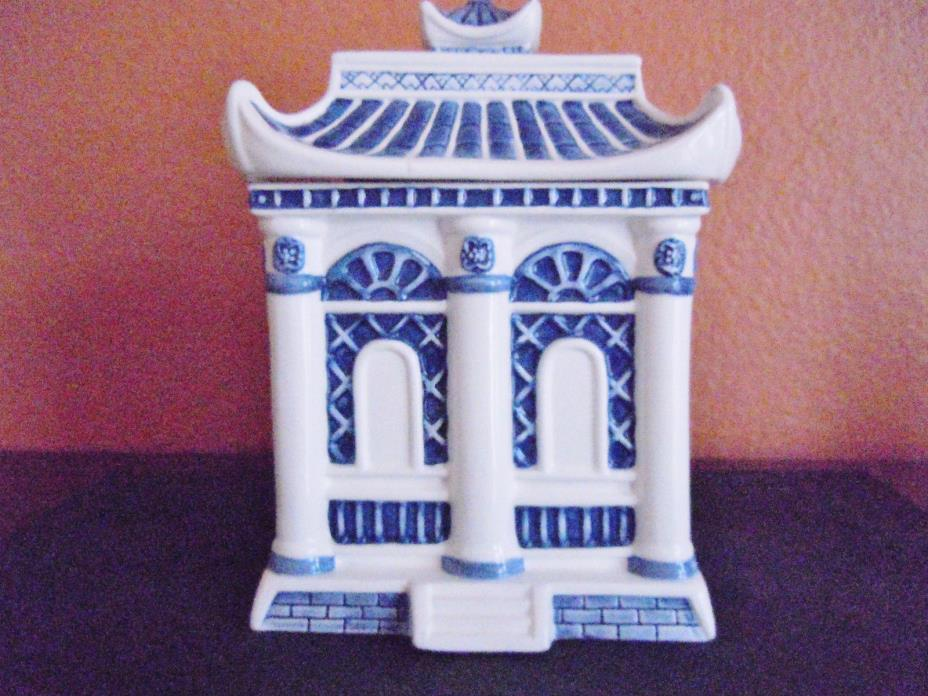 """BLUE WILLOW COLLECTIBLES LARGE PAGODA COOKIE JAR 9"""" TALL"""