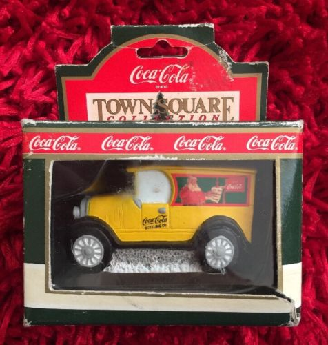 1992 Coca Cola Town Square Collection Delivery Truck ... Santa Christmas