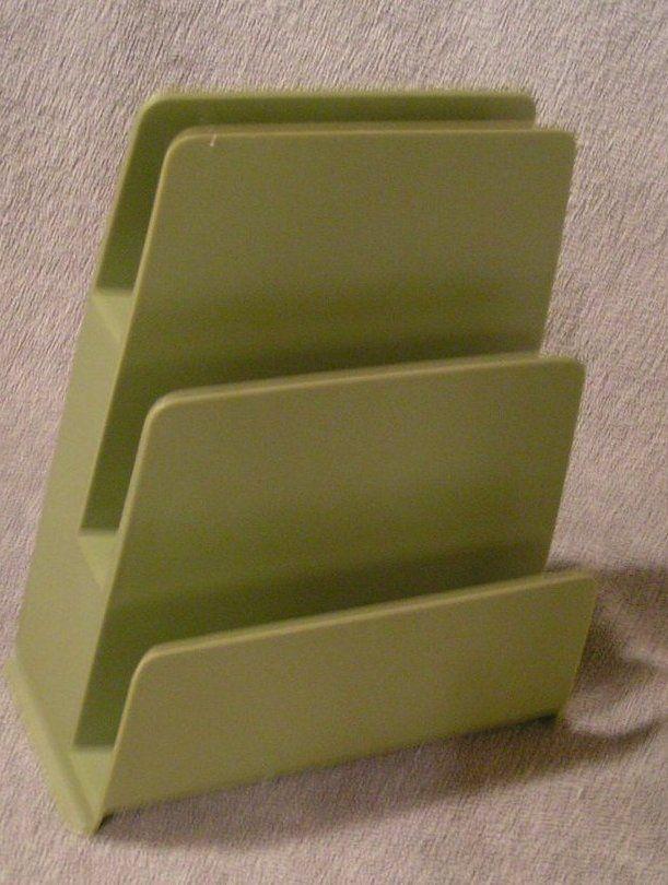 Vintage RUBBERMAID olive green 3 tier Stacking Wall mount / desk Letter Holder