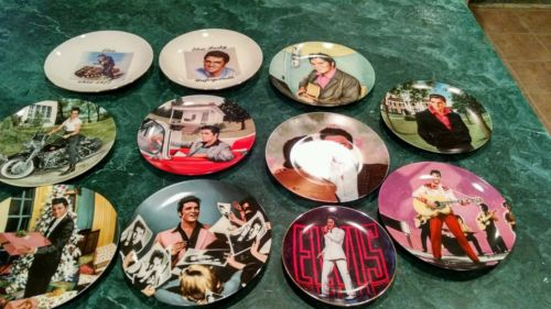 COLLECTIBLE ELVIS PRESLEY CERAMIC PLATES  VARIOUS COLLECTION W/POSTCARDS BONUS