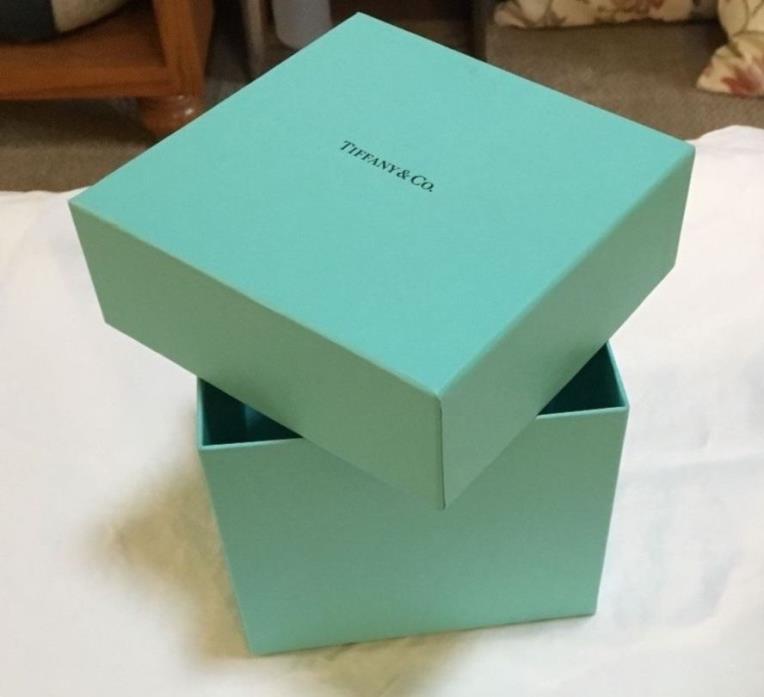 Tiffany & Co. gift box Tiffanys 5 in x 4.5 in