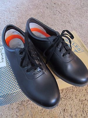 DINKLES WORLDS GREATEST MARCHING SHOES UNISEX MEN'S SIZE 6 WOMEN'S SIZE 8 BLACK