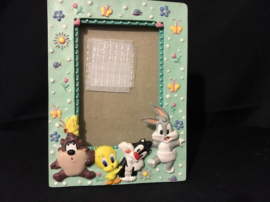 BABY LOONEY TUNES RESIN PICTURE FRAME FOR 4 X 6 PICTURE BABY ANIMALS BEDROOM KID