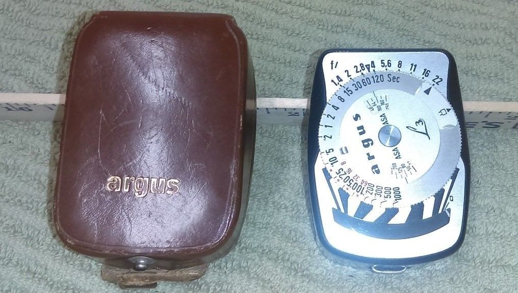 Argus Light Meter w/ leather case