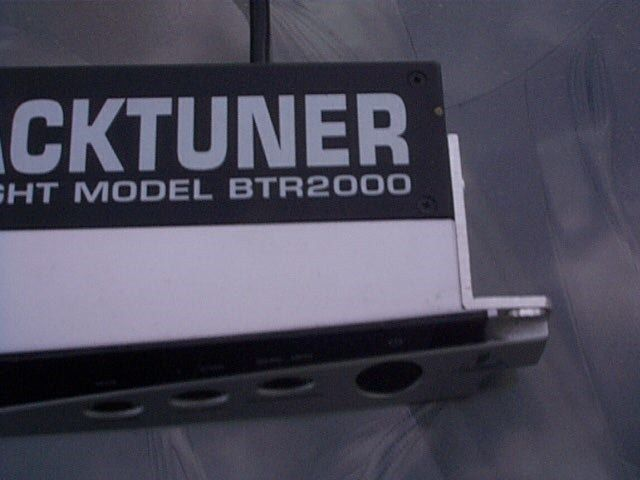 Behringer rack mounted tuner for bass or guitar