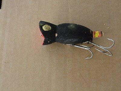 VINTAGE HULA POPPER FISHING LURE PLUG PAINTED FLAT BLACK 2.5 INCH #2