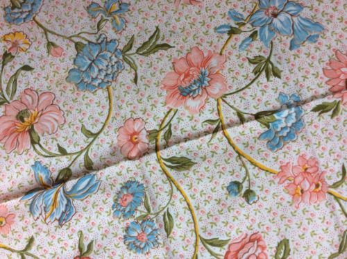 Vintage Pillowcase 70's COLORS FLORAL