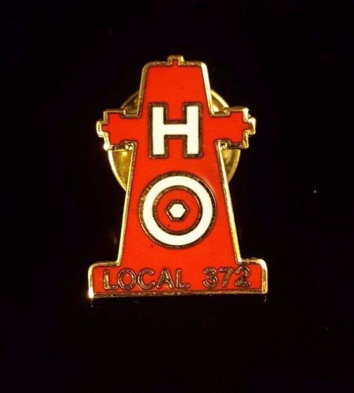VINTAGE FIRE HYDRANT LOCAL 372 LONG BEACH CALIF. FIRE FIGHTERS. Metal LAPEL PIN