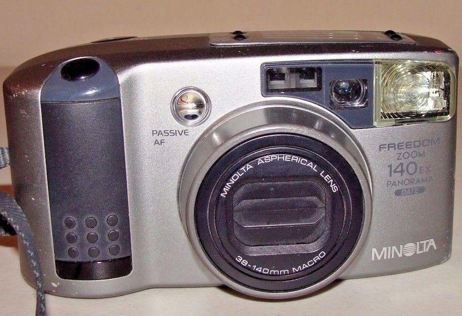 Minolta Freedom Zoom 140EX 35mm Film Camera with Date & Panorama