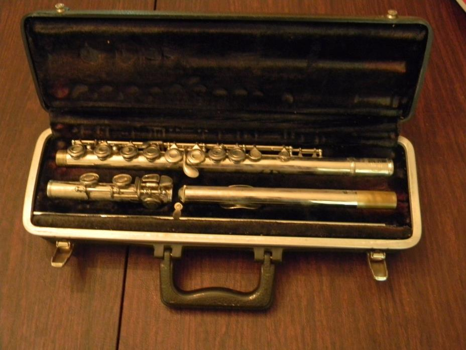 RARE VTG Bundy Flute by Selmer and Carrying Case