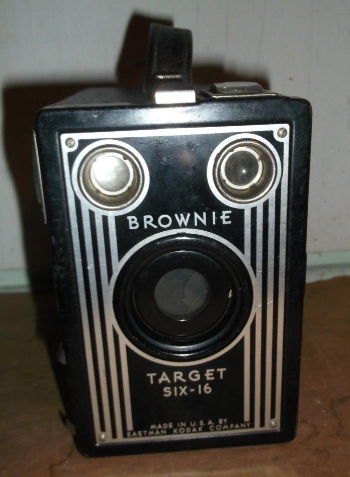 vintage camera : Eastman Kodak Brownie Target Six-16