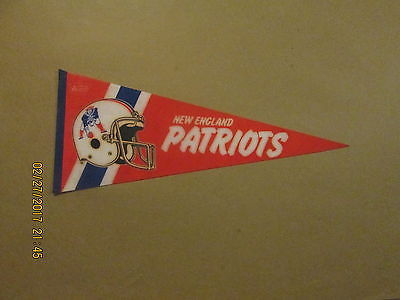 NFL New England Patriots Vintage 1980's Style #3 2 Bar Facemask Football Pennant