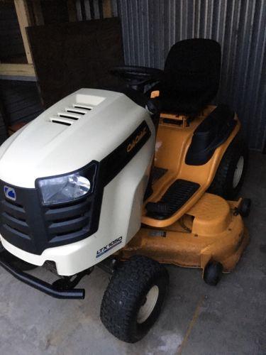 2013 Cub Cadet LTX1050 Garden Tractors 50