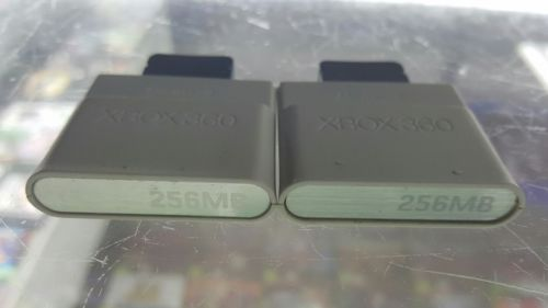 lot of 2 XBOX 360 Official Genuine OEM Microsoft Memory card 256MB Storage Unit