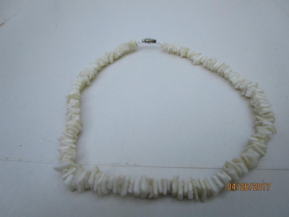 Vintage White Puka Shell  Choker Necklace Hawaiian Hippie Surfer Boho 17