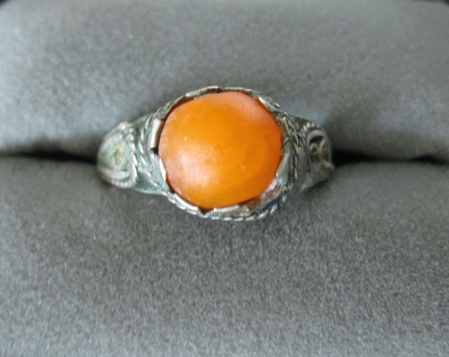 VINTAGE CARNELIAN CABOCHON SILVER FILIGREE RING