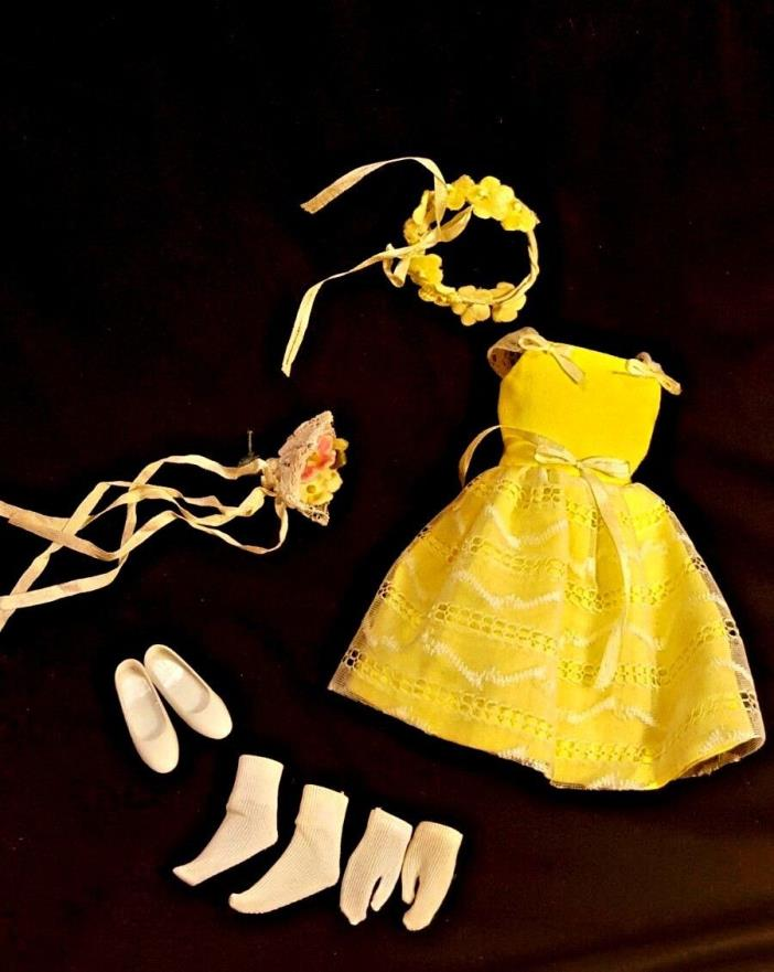 VTG Barbies Skipper Flower Girl Outfit 1901 Complete Bouquet Headband Gloves
