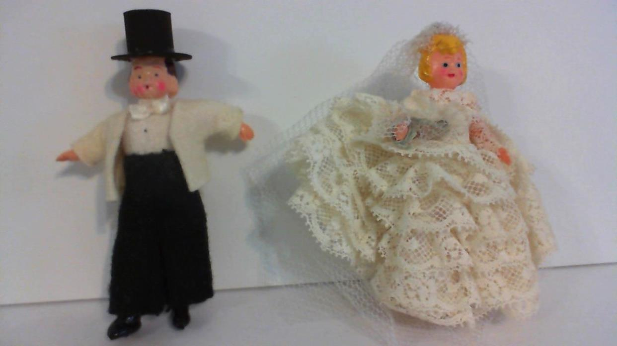 Vtg. Antique Early Celluloid? Plastic Paper Bride Groom Wedding Cake Dolls